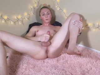 Trans broad, Nikki North, Uses Her Own schlong To Fuck Her butt