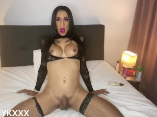 Hot NZ trans hoes plays with herself (CUMS)