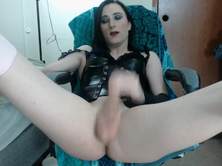 Trans lady spreads and fingers her ass for webcam