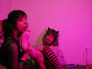 Adoración de pies foot fetish lesbianas trans Moka Stardust x Argyle Trapz